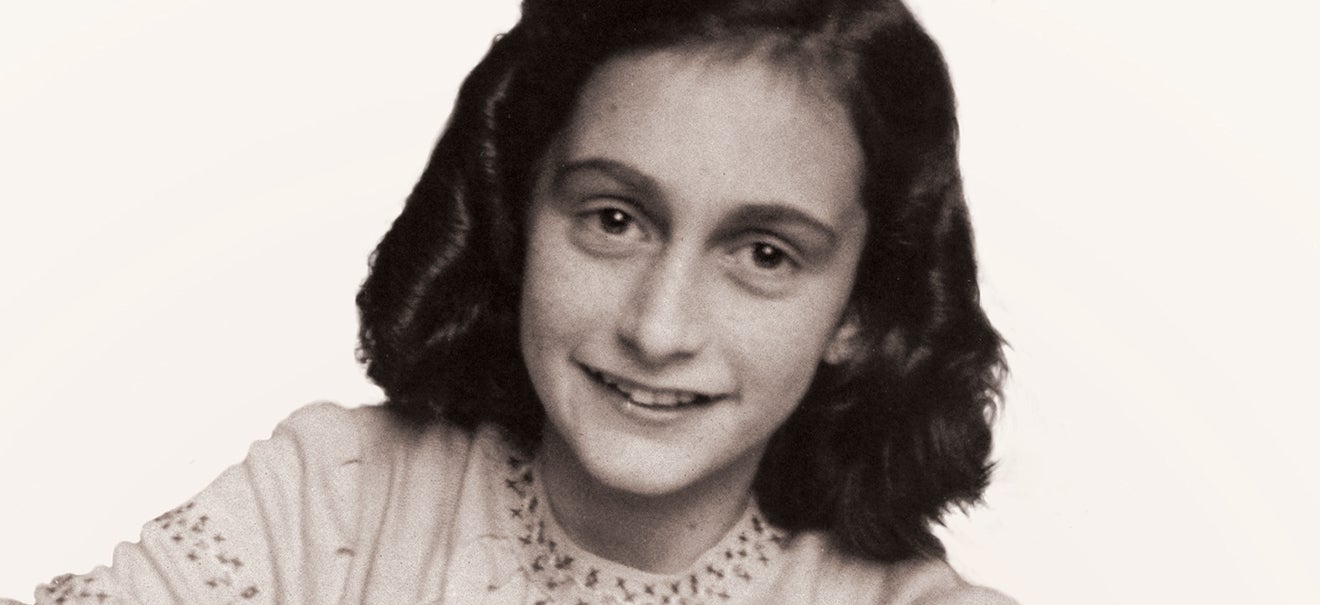 an analysis of the diary of anne frank by anne frank A nne frank: the diary of a young girl is the real diary of a teenage girl that begins on anne's 13th birthday (12 june 1942) when she gets a diary.