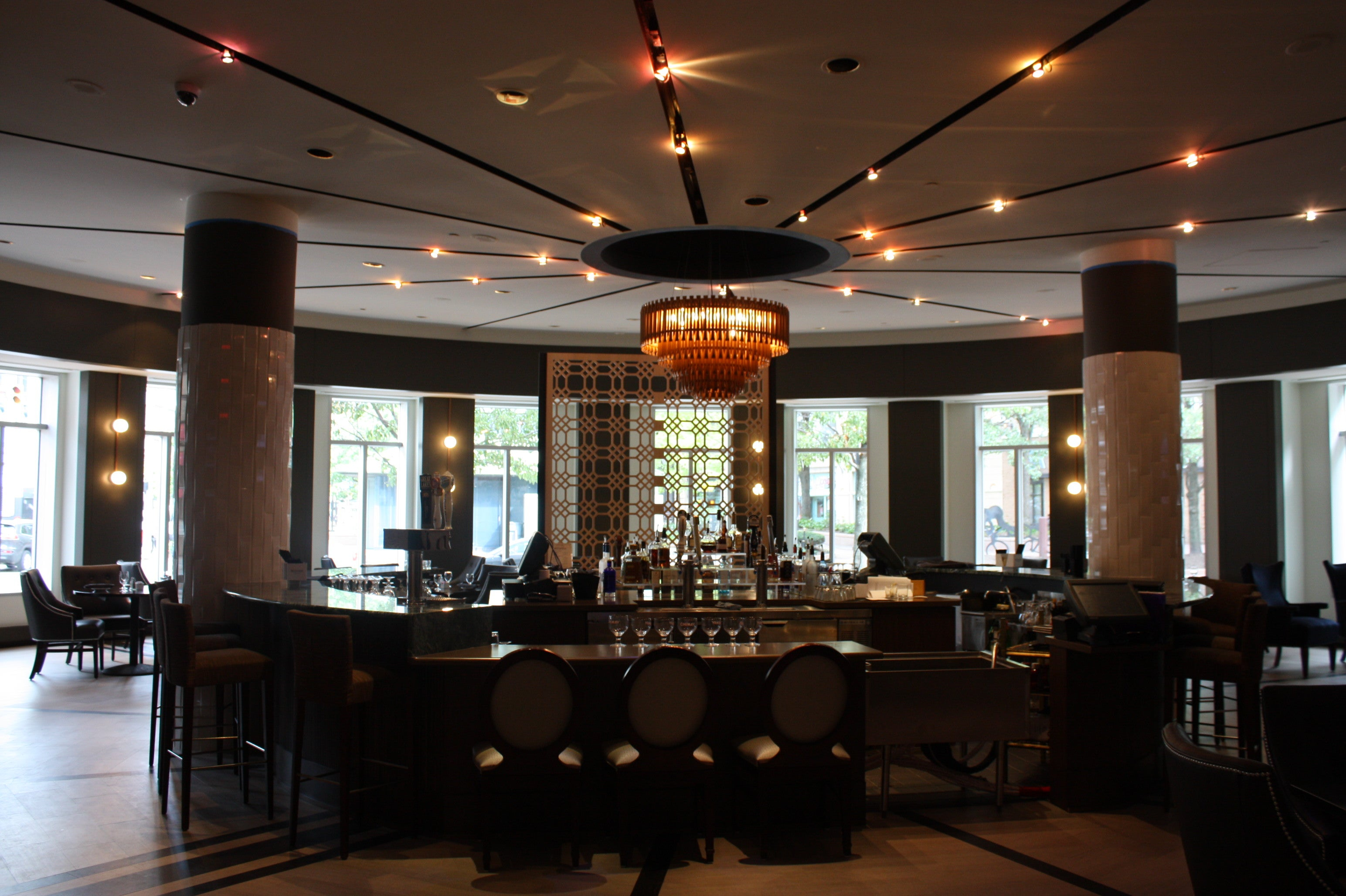 Hotel dining guide playhouse square for Restaurant guide
